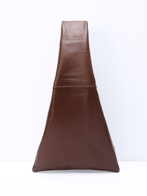 The bag_dark brown