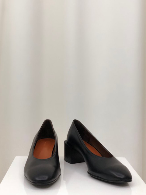 Retro Pumps_Black