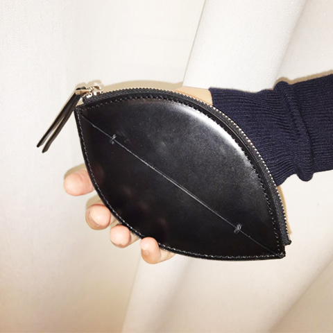 Special Edition_Petal Wallet_Black
